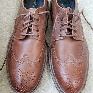 Leather brown oxford shoes by Marc Anthony 10.5
